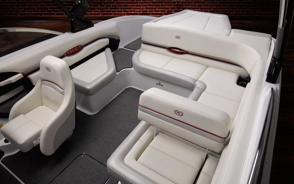 CS23: Peak Performance and Luxury in Boating | Cobalt Boats